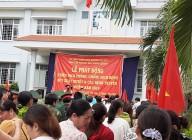 Tham gia chiến dịch phòng chống sốt xuất huyết trên địa bàn huyện.